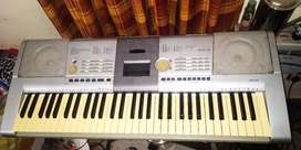 Yamaha 61 keys professional keyboard