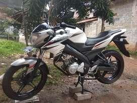 jual Yamaha Vixion 2014 putih mulus