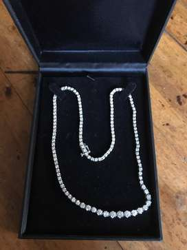 Kalung berlian (diamond necklace)