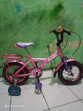 Sepeda anak ukuran 12