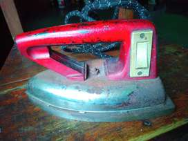 Heavy weight Cloth pressing iron with long cord.