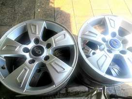 "Xuv500 alloy wheels for sale 17"", 4 pieces.Mahindra Xuv"