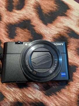 Sony RX 100 V minus flash