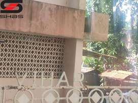 Plot with old house for sale in Kowdiar, Thiruvananthapuram