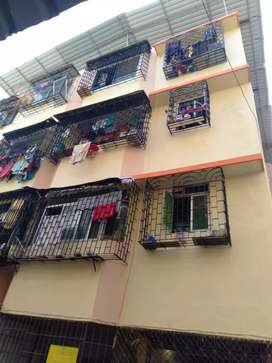 1bhk flat rent road facing all windows near station, vasai west 8700rs