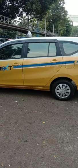 Dibutuhkan driver untk taxi bandara maaf bukan blue bird