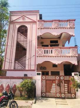 6 BHK Independent flat for commercial purposes