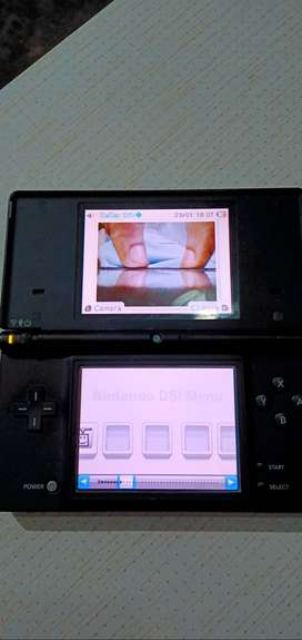 Nintendo Dsi with r4 card & charger full proofed free delivery