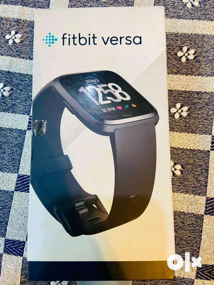 Fitbit versa unisex smart watch