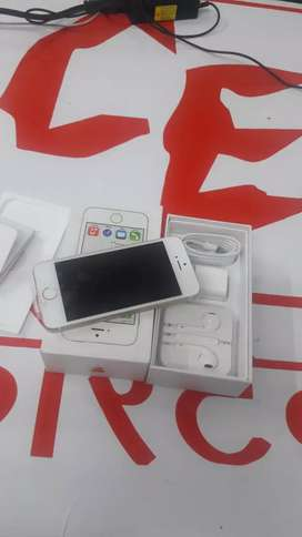 iPhone 5S 16gb brand new phone with bill box and accessories