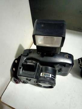 Kamera Jadul merk Canon dan Yashica
