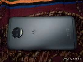 Moto g5s plus in very well condition