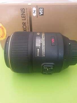 Nikon 105mm f2.8 Macro prime lens