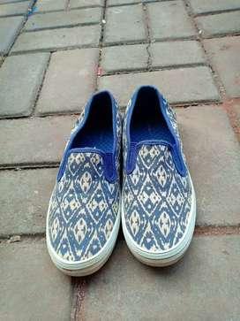 Sepatu City Sneaks Canvas Size 37