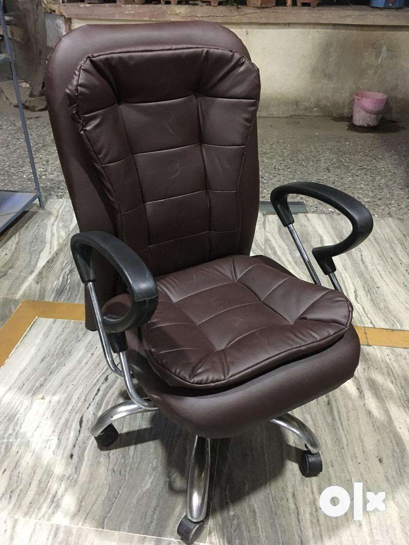 Designer revolving chair at wholesale rate 0