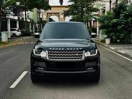 Range Rover Vogue 3.0L SDV6 Diesel New Model Black On White 2013/2014