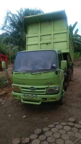 Jual santai, mobil dam truk hino dutro