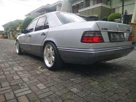 Mercedes benz mercy boxer w124 e220 manual 1994