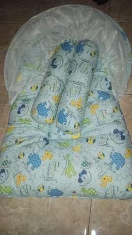 tempat tidur kelambu