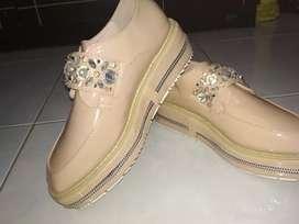 Sepatu prada wrna Pink