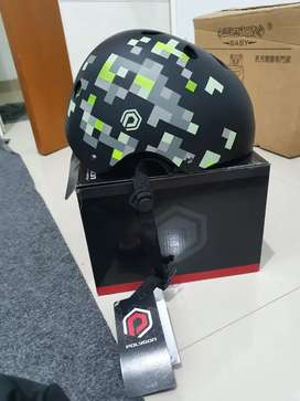 Helm Sepeda Polygon Pixel