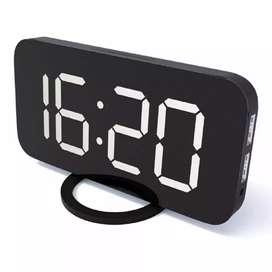 Jam Alarm Digital with Smartphone Charger 2 USB Port 2.1A