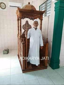 Mimbar khotbah masjid ceramah kayu jati.