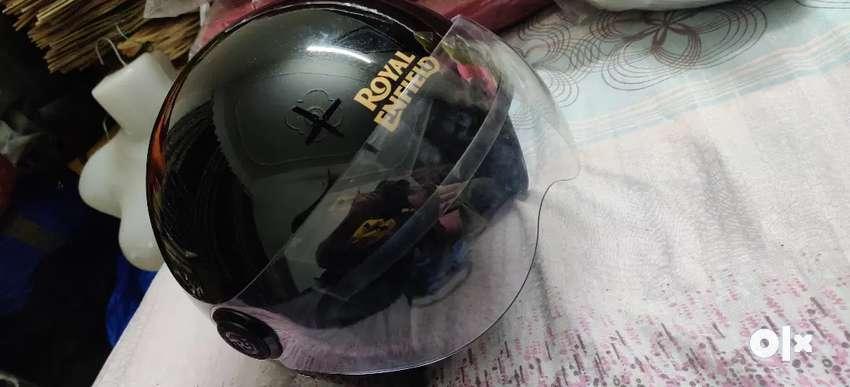 Helmet royal enfield 0