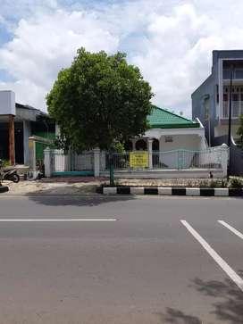 Rumah Tuban 0 jalan raya.Untuk kantor dan restoran