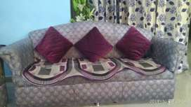 5 Seater Sofa in Good Condition.