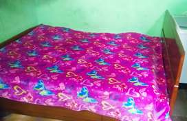 King size bed , sagon wood ,very good condition,with mattress