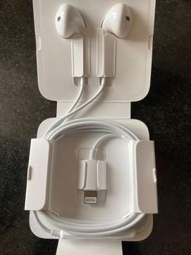 iPhone EARPODS, BRAND NEW from iPhone 11 BOX. WORKS FOR ALL iPhones