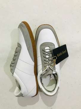 Branded shoes at cheap rates