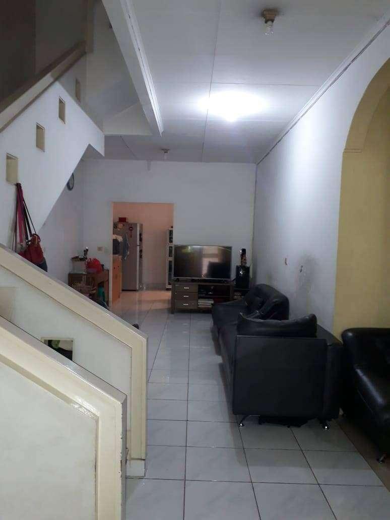 Dijual Rumah 2 lantai Depan Taman di Taman Surya 5 0