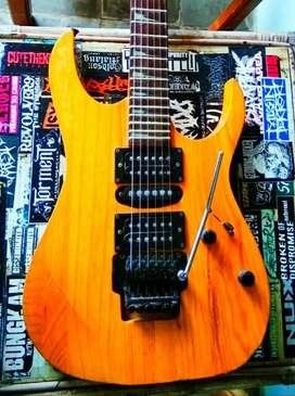 Gitar ibanez natural
