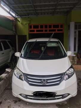 Dijual Honda Freed thn 2011 type PSD matic