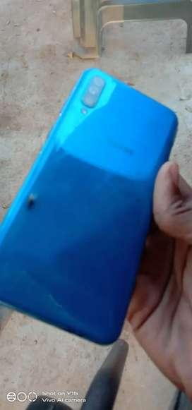 Samsung a50 mobile  ok ram 4 rom 64