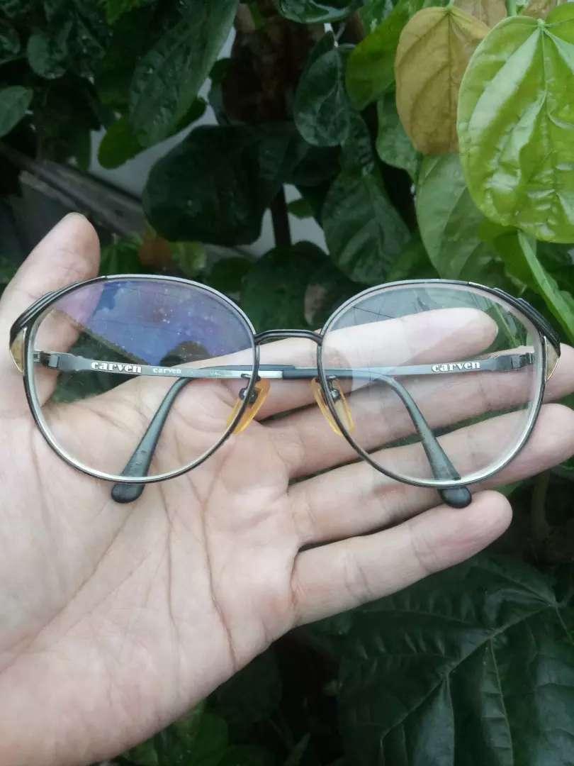 Kacamata Carven original..