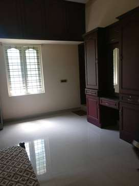 PG ACCOMMODATION AVAILABLE FOR LADIES AT NEDUMANGAD