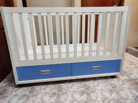 Baby Cot with drawers and wheel