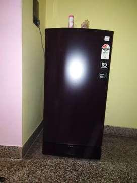 Godrej 195 litrs black colour