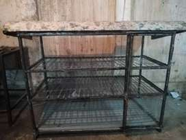 3 portion cage almost new n 5 feet length 2.5 feet width n fiber roof