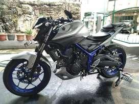 Motor Naked Yamaha MT25
