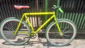 Sepeda fixie - dijual karna sedang butuh uang- nego sampai deal