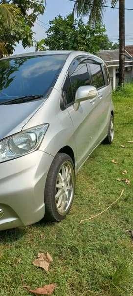 Dijual Honda Freed 2012