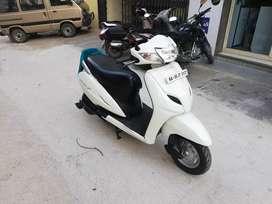 Auto india white colour honda activa 3g 1 owner Showroom condition up