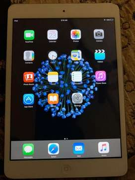 8 GB Internal 4YEAR 1 MONTHS NO BILL NO BOX (ONLY CHARGER) 2