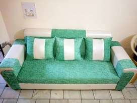 Brand new 7 seater sofa 2 month old