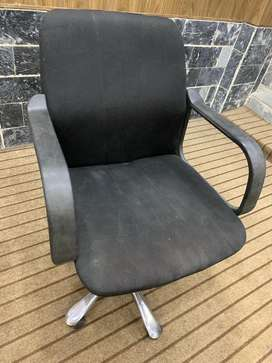 Computer rolling chair in good condition
