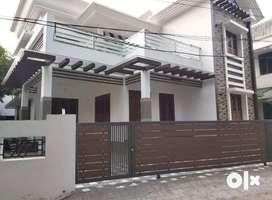 Aluva kadungalloor 5cent 2000sqft 4bhk house for sale